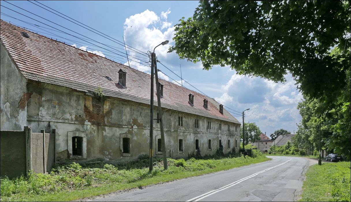 http://czarnota.org/_gallery/albums/2011/2013_07_18_19_Poland_Polska_Palac_Kluczowa_Schloss_Kleutsch.jpg