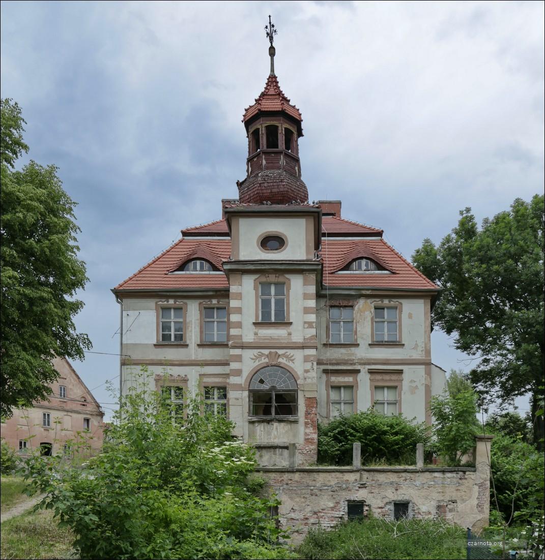 Pałac w Janowicach Dużych