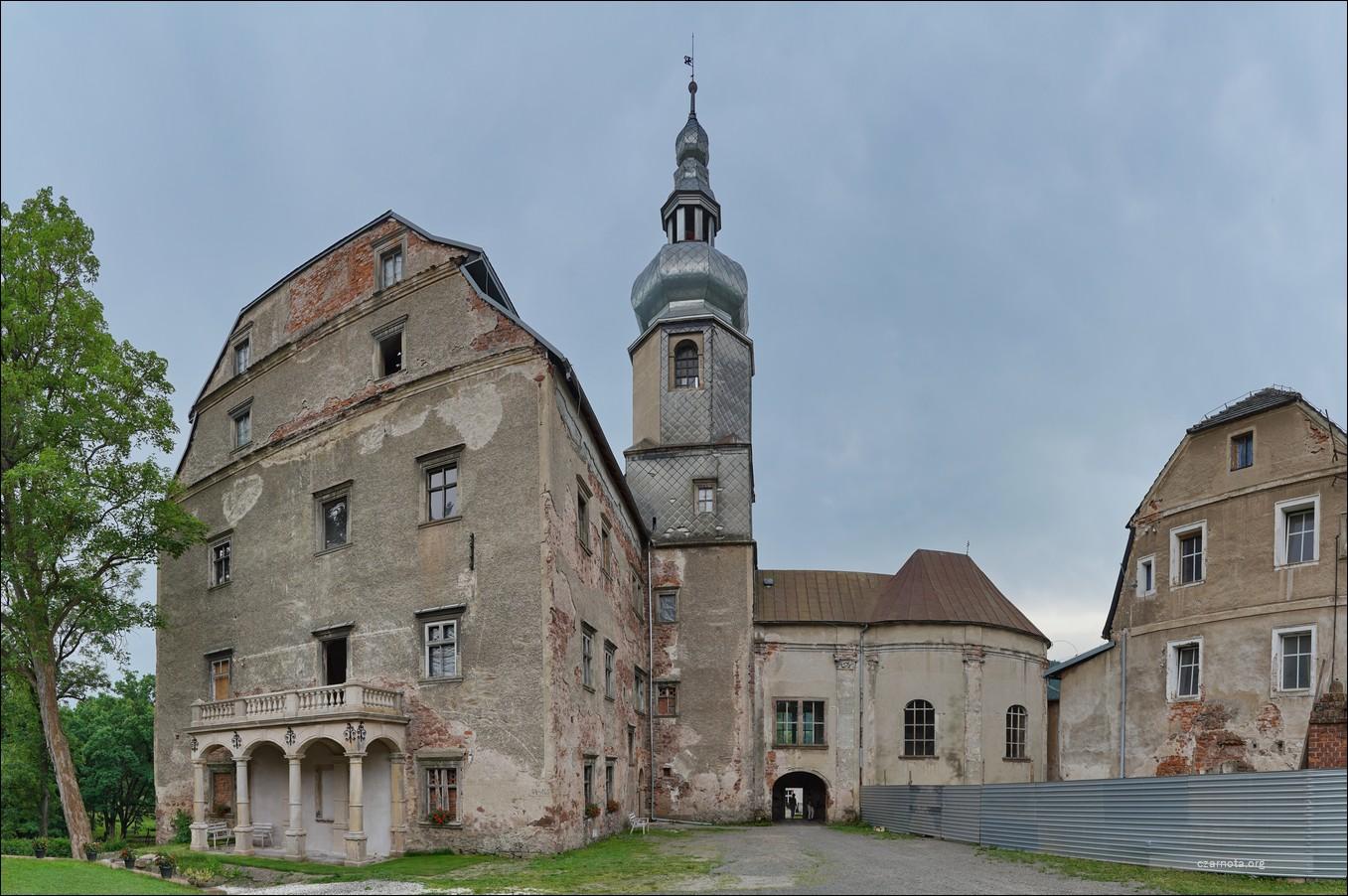 Zamek Sarny, Ścinawka Górna 2014 vs. 2021