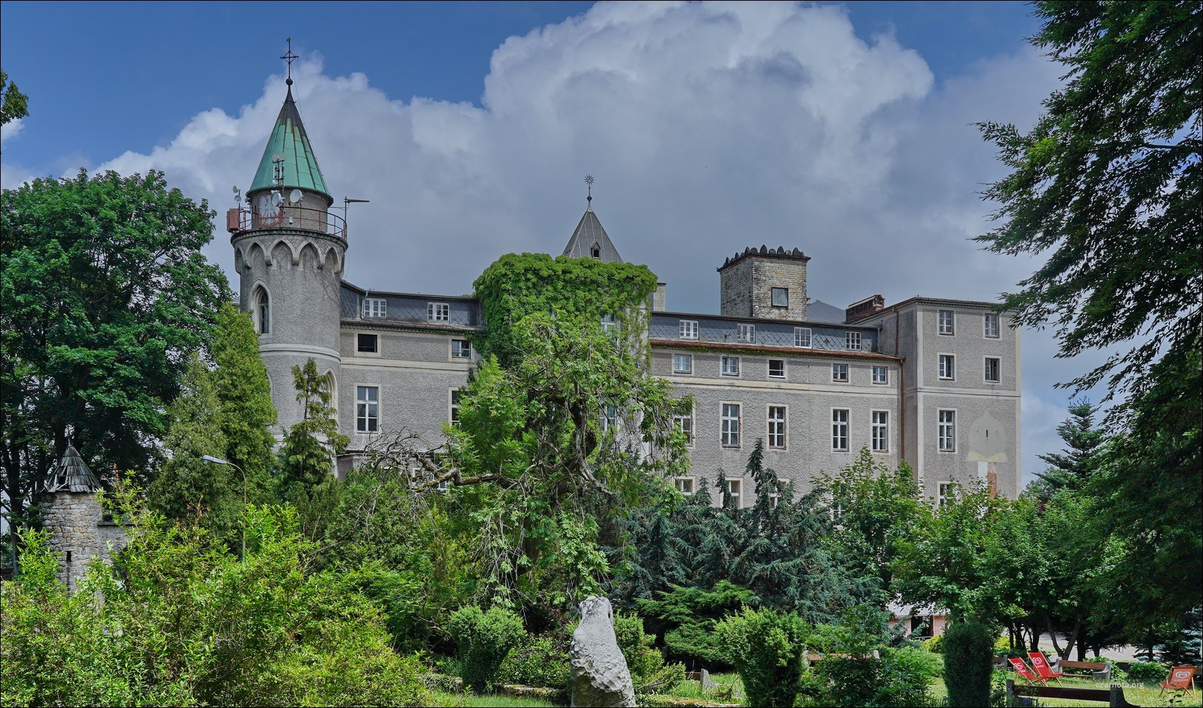 Zamek Leśna Skała w Szczytnej