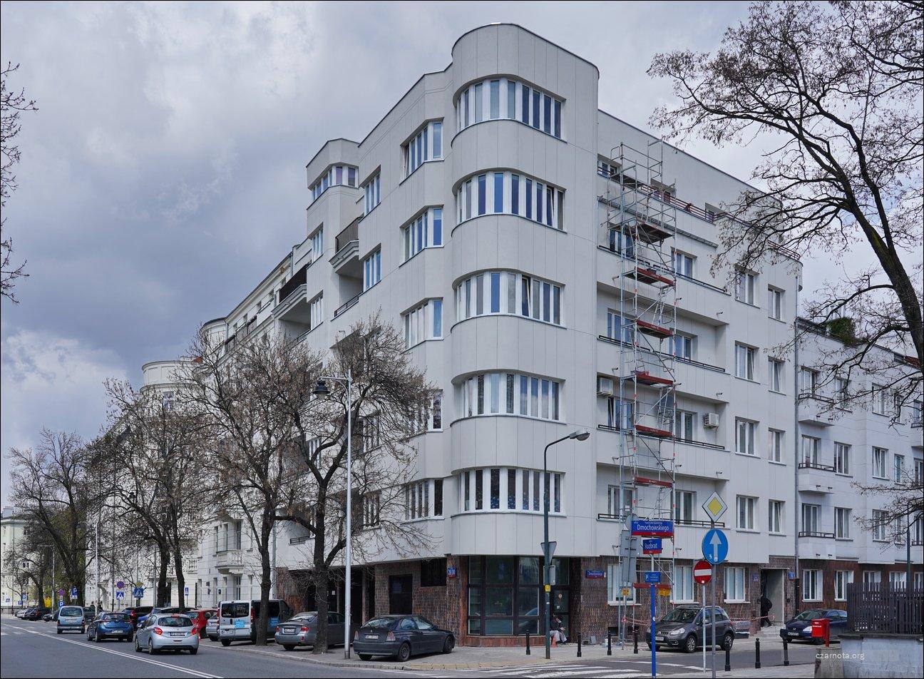 Warszawa, ul. Rozbrat 28/30, ul. Dmochowskiego 6, ul. Dmochowskiego 4 w 2011 i 2021
