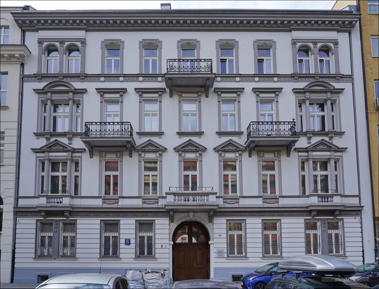 Warszawa, ul. Mikołaja Kopernika 11, 13, 15 w 2010 i 2021