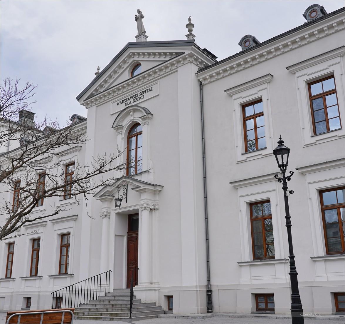 Warszawa, ul. Mikołaja Kopernika 43, Szpital dla Dzieci w 2010 i 2021