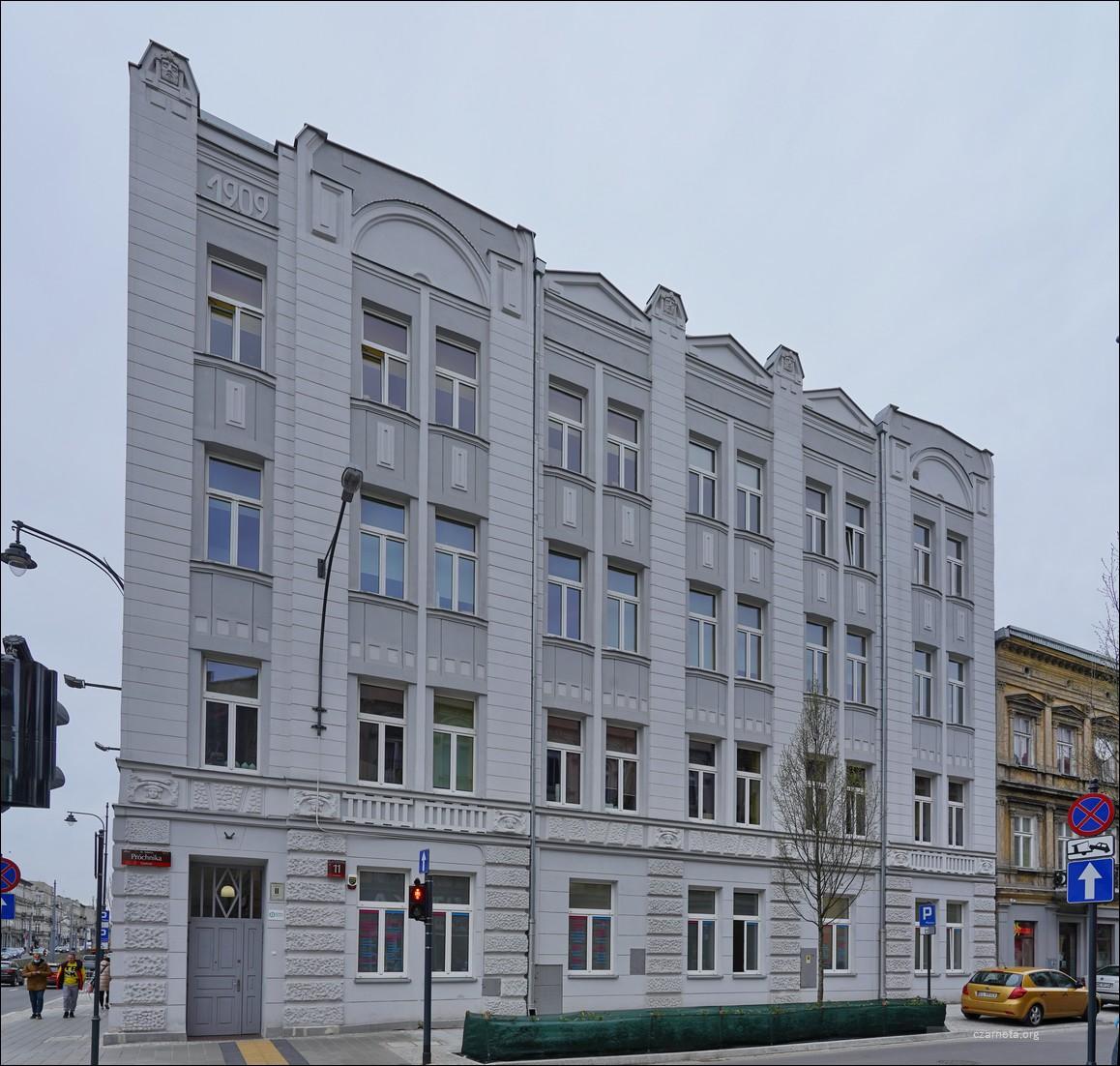 Łódź, ul. Adama Próchnika 11 / Zachodnia w 2019 i 2021