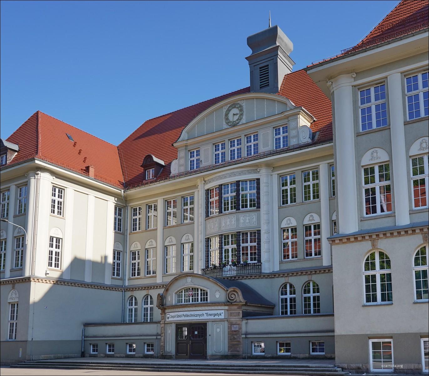 Wałbrzych, Aleja Wyzwolenia 3, 5, 7, Zespół Szkół Politechnicznych Energetyk w Wałbrzychu w 2010 i 2021